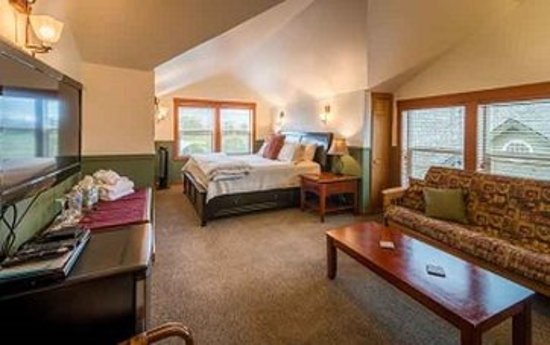 La Conner, WA: King Fireplace Suite Rm