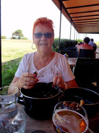 Saint-Denis d'Oleron, Francia: Moules frites particulièrement bonnes et copieuses