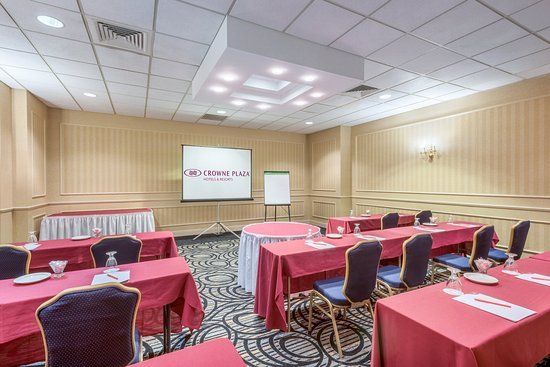 Southbury, CT: Woodruff Room
