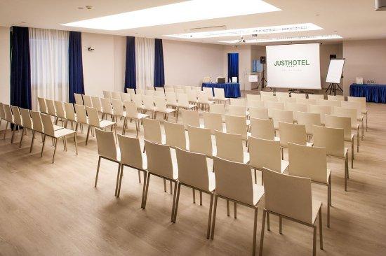 Lomazzo, İtalya: Conference Facilities