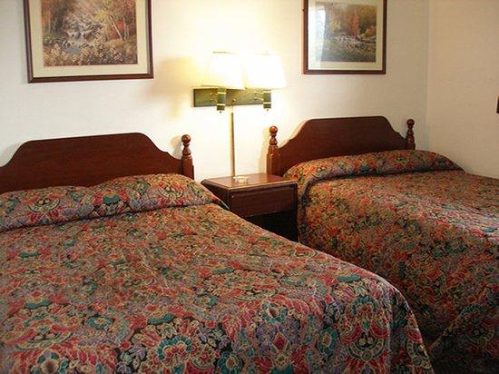Red Carpet Inn Allentown: RPAATDoubles