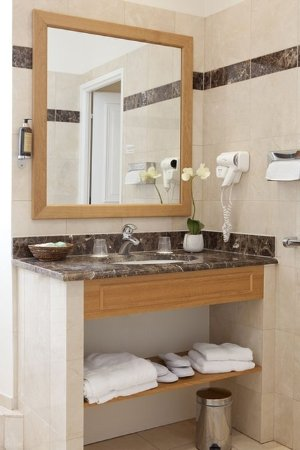 Montfort-l'Amaury, Prancis: Bathroom