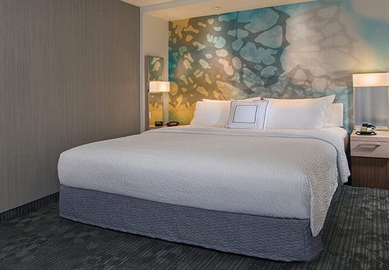 Yonkers, Νέα Υόρκη: King Guest Room Sleeping Area