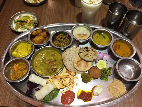Rajdhani Thali Is Extremely Rich In Calories And All Variety Of