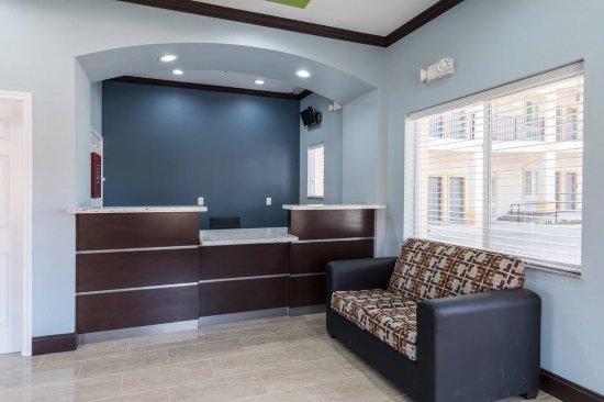 Balch Springs, Teksas: STXBHFront Desk
