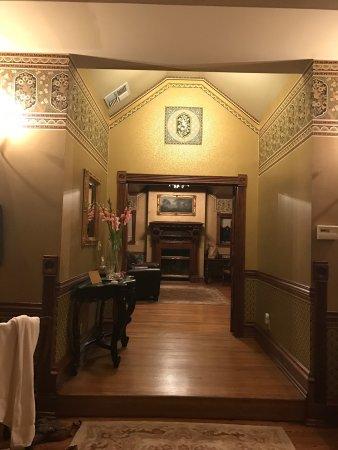 The Pink Mansion: photo6.jpg