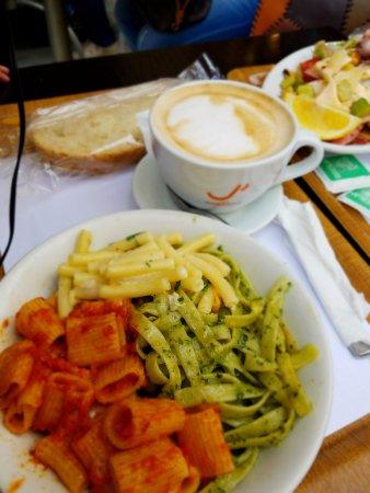 Caffetteria Tavola calda Letizia: 3 different pasta and cappucciano