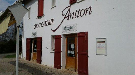 Espelette, France : 20170324_112516_large.jpg