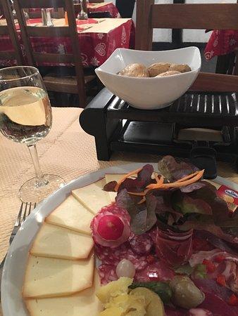 Le Corbier, ฝรั่งเศส: Petite raclette en solo Merci
