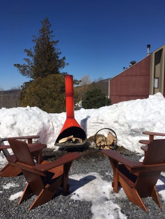 Hunter, NY: You can roast s'mores at the outdoor fire.
