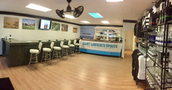 Saint Lawrence Spirits Downtown Tasting Room