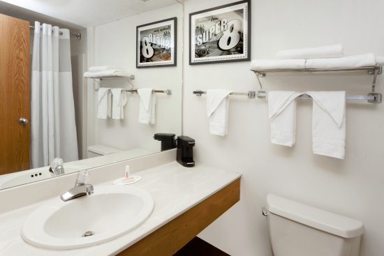 Stevensville, MI: Standard Bathroom Interior Entrance Rooms
