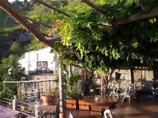 Serrara Fontana, Italy: pergolato esterno