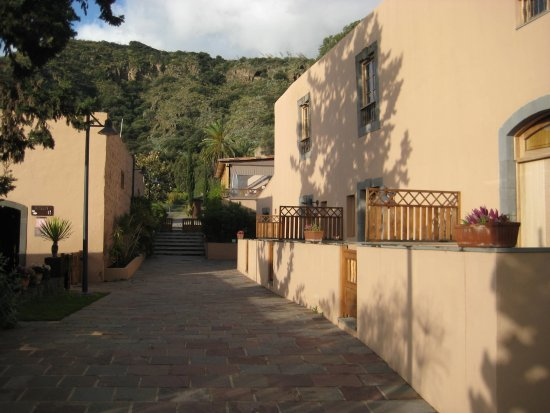 Marzagan, Spanje: ground floor rooms with small terraces
