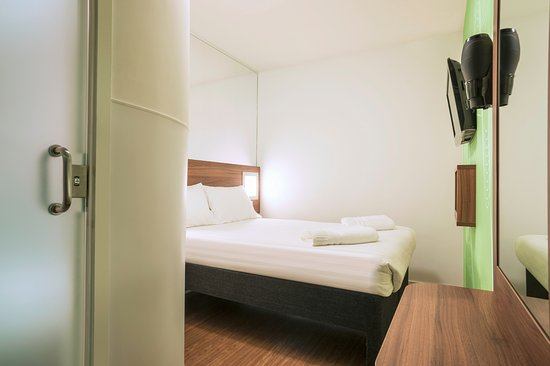 Point A Hotel, London Liverpool Street: Double Room no window