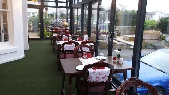Dukes Folly Hotel: Bar and Restaurant New