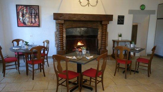 Mercurey, France : salle de restaurant