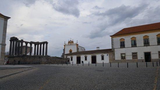 Templo Romano de Évora (Templo de Diana): 20170324_175405_large.jpg