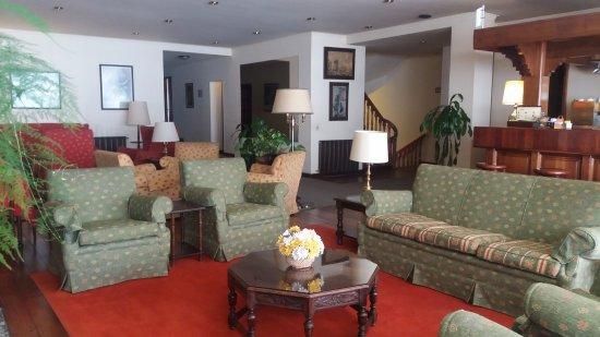 Hotel Caupolican: mucho espacio con barra para degustar algún trago,pasar un rato con amigos..