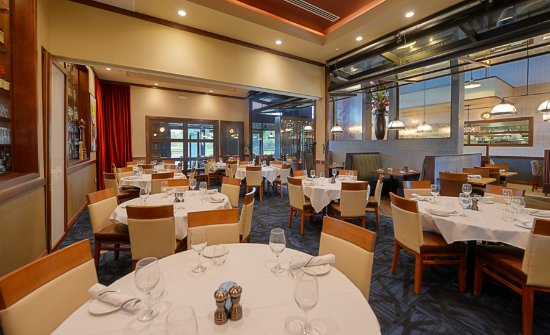 Ponte Vedra Beach, FL: Private Inside Dining Space for up to 50 guests