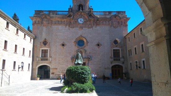 Lluc, Spagna: DSC_0014_large.jpg