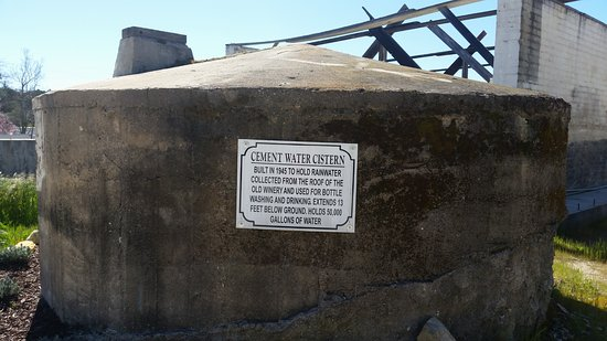 Templeton, CA: Water Cistern
