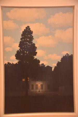Colección Peggy Guggenheim: マグリットの「光の帝国」