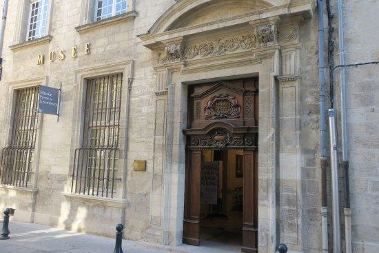 Villeneuve-les-Avignon, France: 普通の家のような外観
