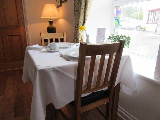 Newcastle Emlyn, UK: Breakfast room