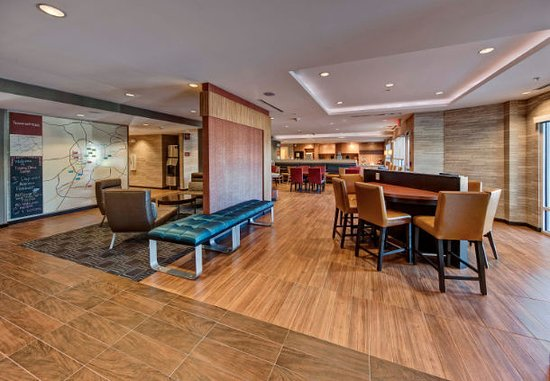 TownePlace Suites by Marriott Auburn Lobby Area