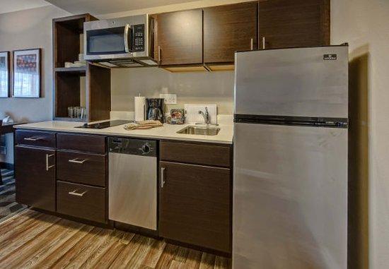 TownePlace Suites by Marriott Auburn Studio Suite Kitchen