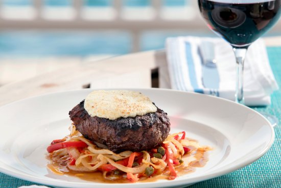 Governor's Harbour, Eleuthera: Goat Cheese Cristed Beef Tenderloin