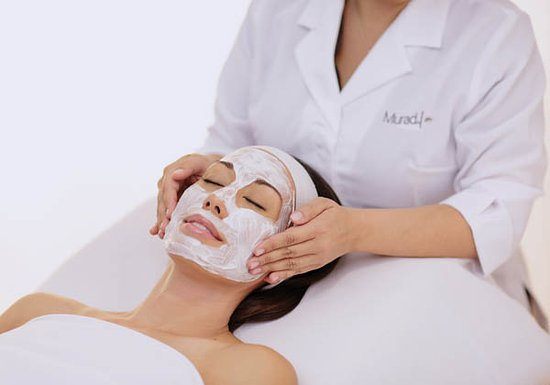 ‪‪Vernon Hills‬, إلينوي: Each facial includes: cleansing, toning, mask, treatment, and massage.‬