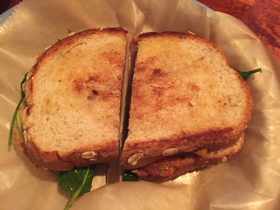 Newark, OH : Grown up grilled cheese