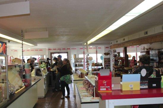 Rockaway Beach, OR: We offer free samples of taffy, ice cream and fudge!
