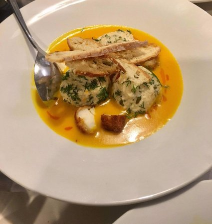 Кеа, Греция: Red snapper giouvarlaki and lobster crouton with saffron of Kozani