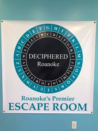 Roanoke, VA: Be a winner of our escape room and get a group picture!