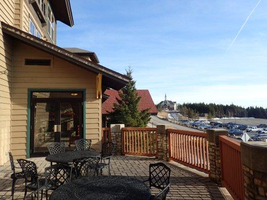 Rimfire Lodge Condos: Terrace