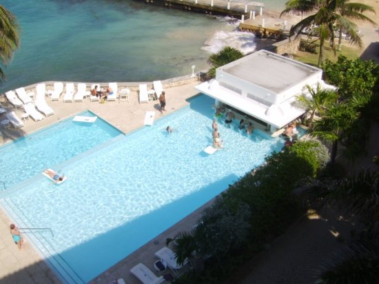 Тауер-Айл, Ямайка: Couples Tower isle swim up bar