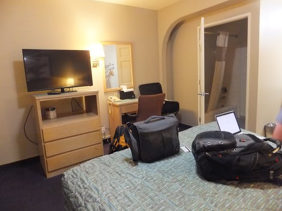Beaumont, CA: Basic room with no frills