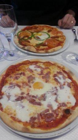 Claye Souilly, Frankrig: Pizza carbonara