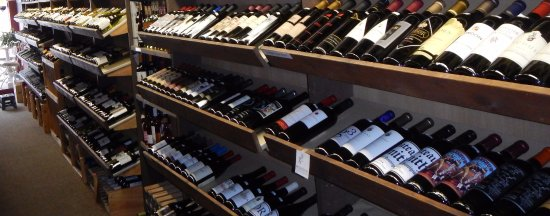 Idaho Falls, Αϊντάχο: Wine available by the glass, bottle, or case - special orders welcome.