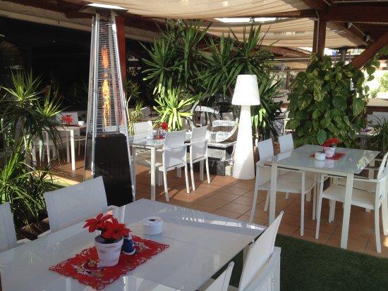 Terrasse - Picture of Restaurante Playa Vista, Morro del Jable ...