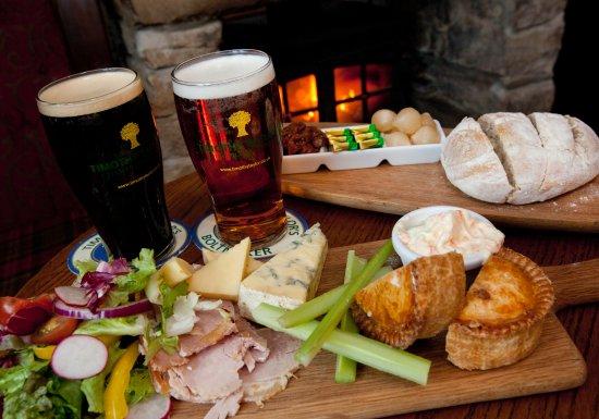 The Fleece Inn: ploughmans lunch