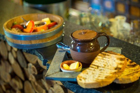 """Casse-Croute Vendeen : la """"grouss' """"assiette de dégustation vous fait découvrir toute la tradition Vendéenne"""