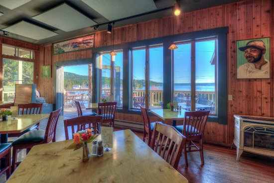 Eastsound, WA: Water views from very table.  Deck seating available in summer
