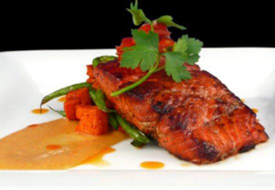 Eastsound, Вашингтон: Pacific Northwest Cuisine IS salmon.
