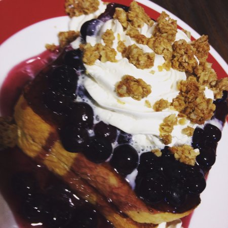 Egg Harbor, Wisconsin: Blueberry Granola Stuffed Toast  #getstuffeddoco #frequentfarmer #yum