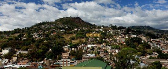 Hotel Honduras Maya: View from Room 308
