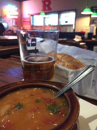 South Amboy, NJ: Go for the PIZZA stay for the soup!